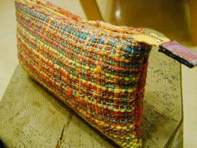 多色織りポーチ
