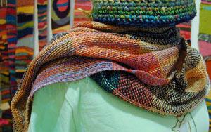 手織りのマフラー