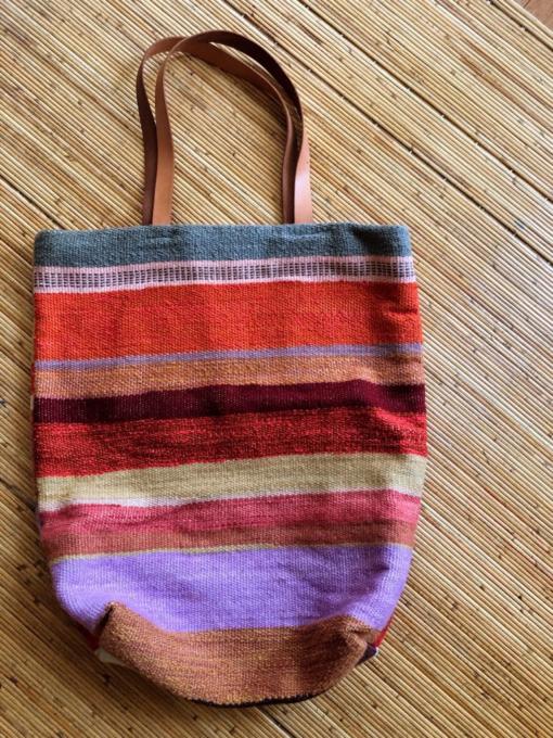 織物赤かばん